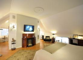 Third Floor – Bedroom Suite